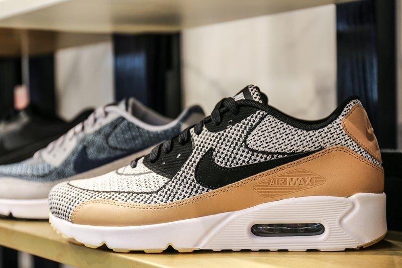 Nike Air Max 90 Premium Running Shoes Review