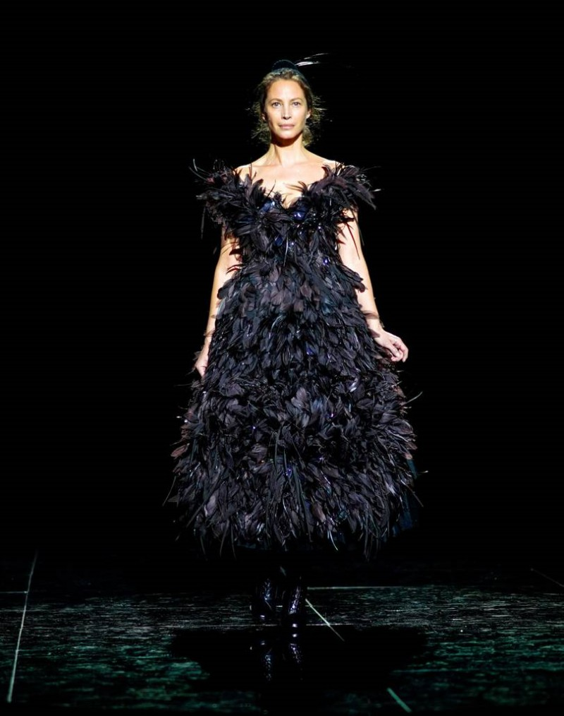 After 25 Years Away From the Catwalk, Supermodel Christy Turlington Returns for Marc Jacobs 1