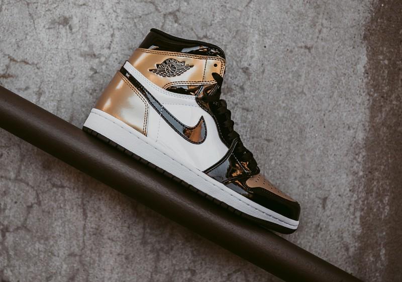 Air Jordan 1 High OG Gold Toe 2
