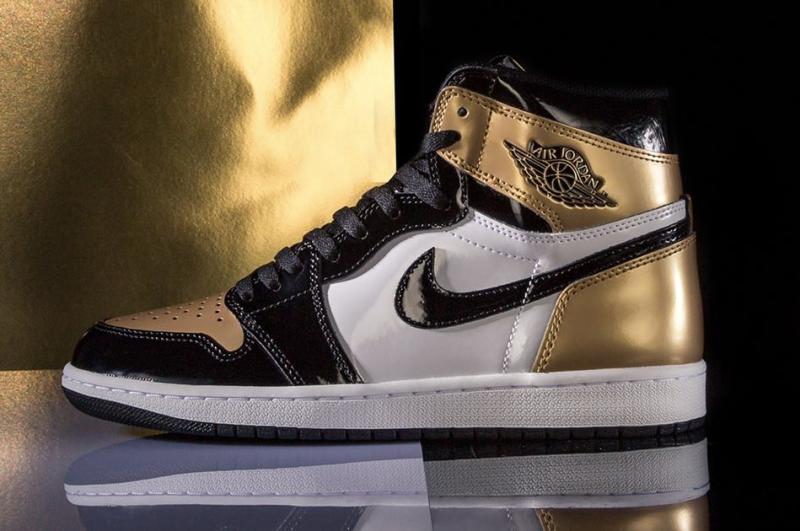 Air Jordan 1 High OG Gold Toe