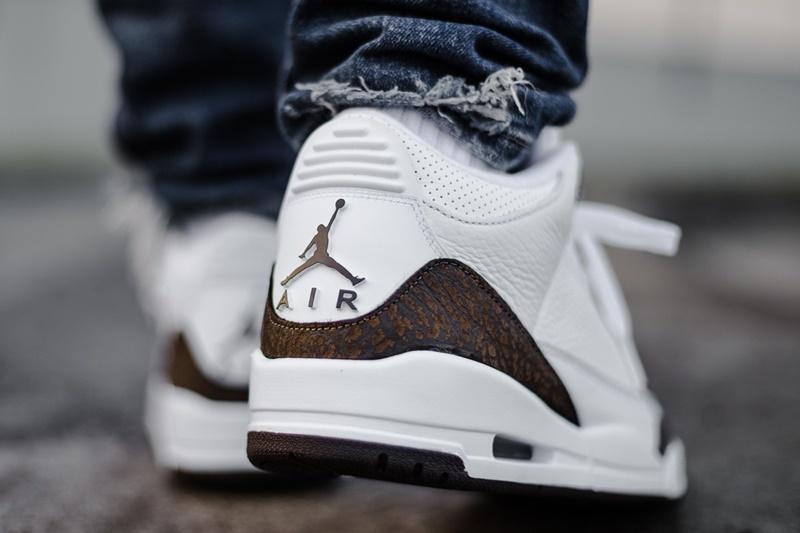 Air Jordan 3 Mocha 10