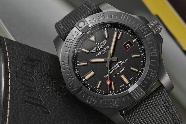 Breitling Avenger Blackbird 44 Men's V1731110-BD74-109W Watch