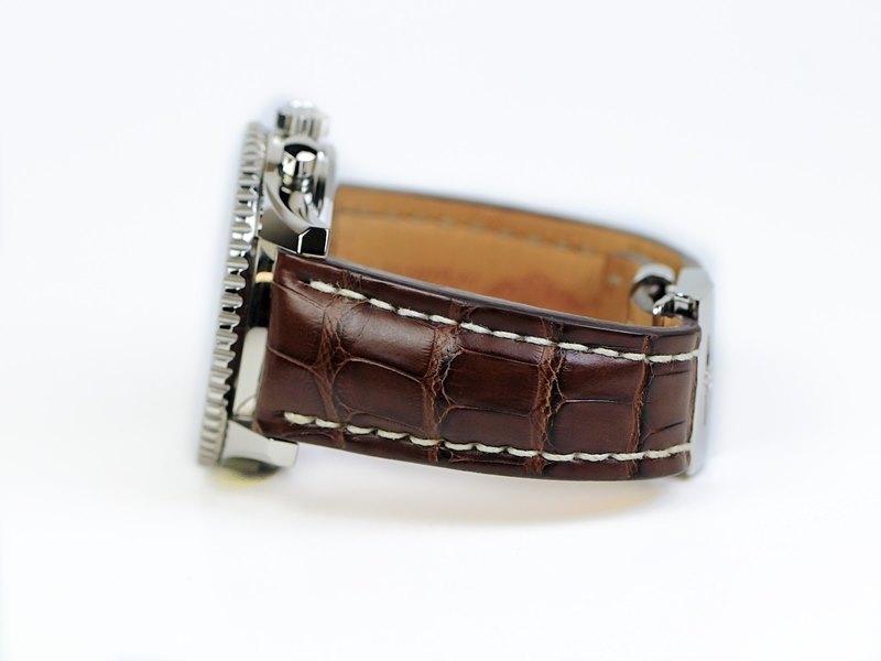 Breitling Navitimer World Men's A2432212-G571-756P Watch - Side