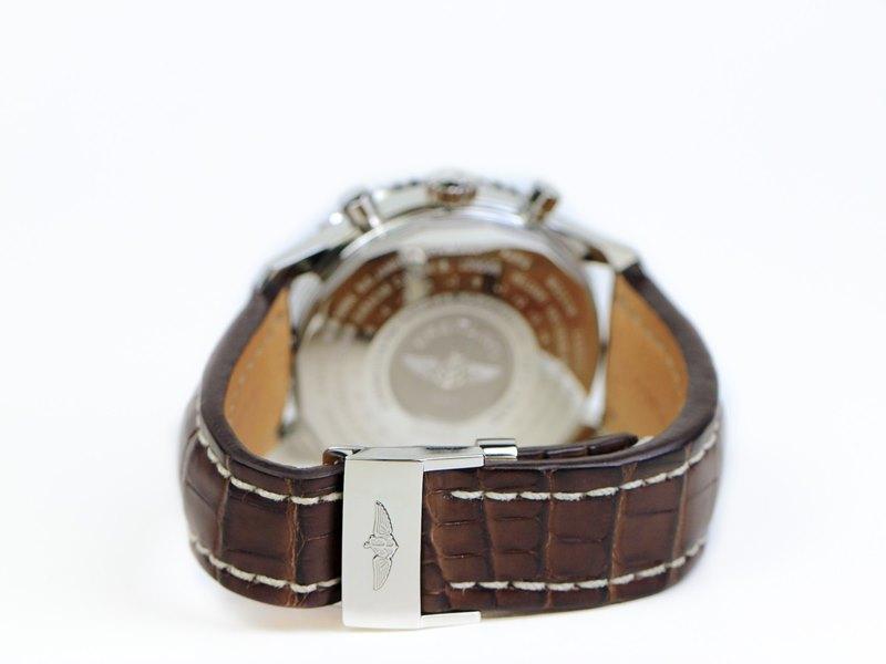 Breitling Navitimer World Men's A2432212-G571-756P Watch - Tang Buckle