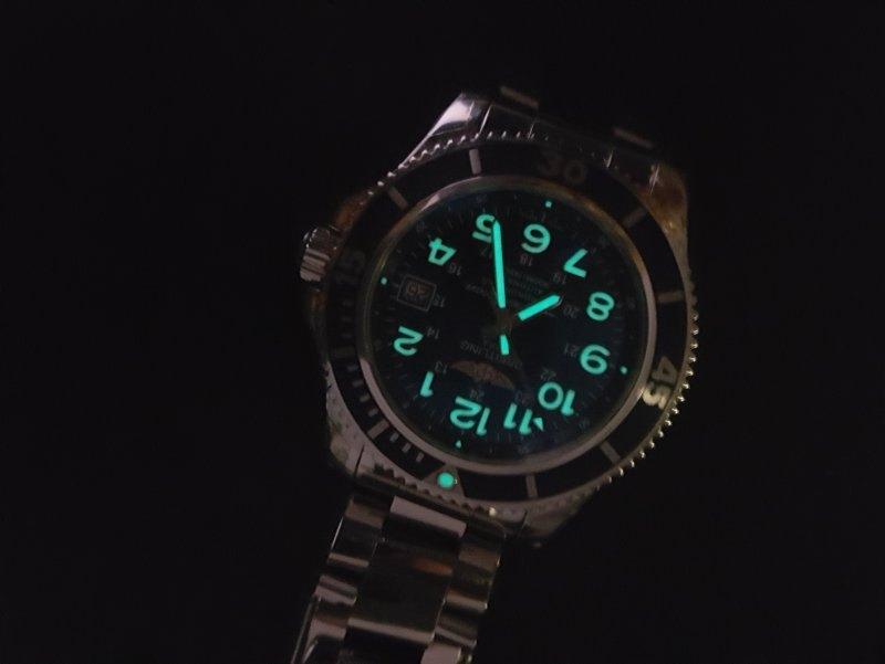 Breitling Superocean II 42 Men's A17365D1-C915-161A Watch - Luminescence