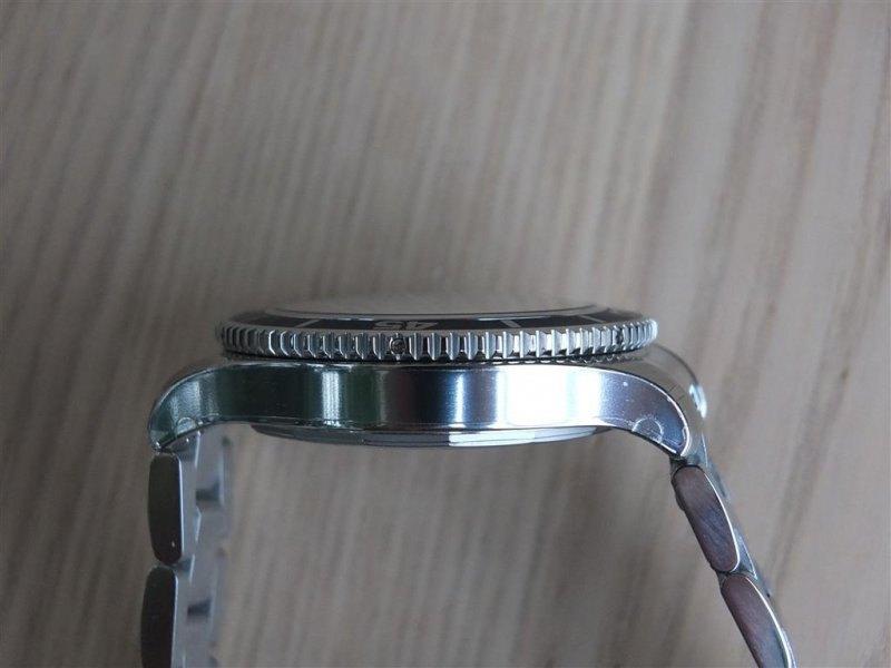 Breitling Superocean II 42 Men's A17365D1-C915-161A Watch - Case Side