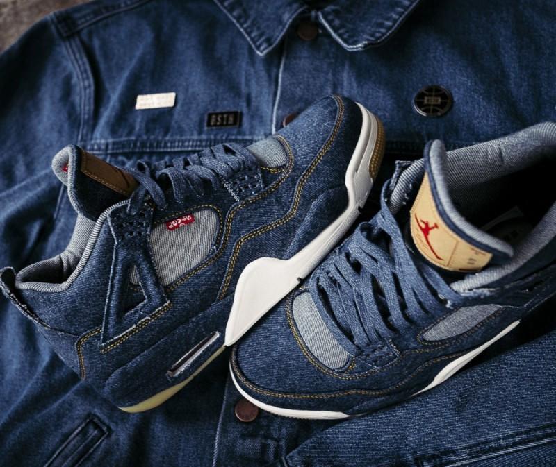 Levi's x Air Jordan 4 Blue Denim 11