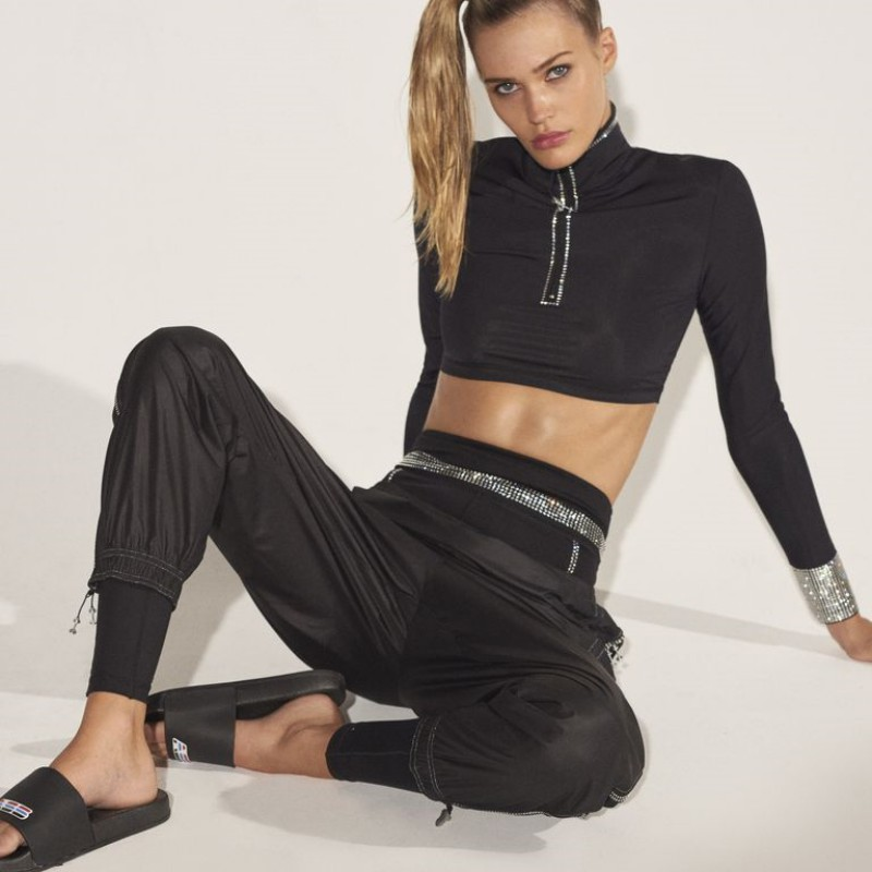 Work Out Your Way to a Better Physique With Adam Selman's Anything But Boring Sportswear 27