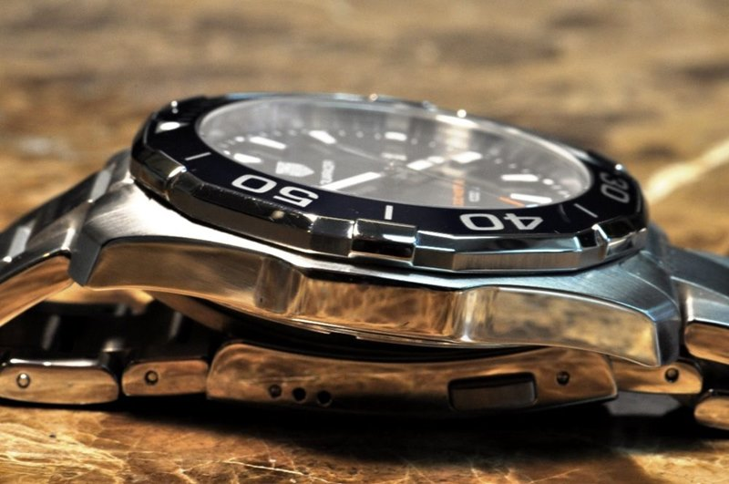 TAG Heuer Aquaracer Men's WAY101C.BA0746 Watch - Case Side