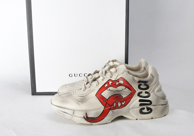 GUCCI Rhyton Printed Distressed Leather Sneakers Red Lips 3