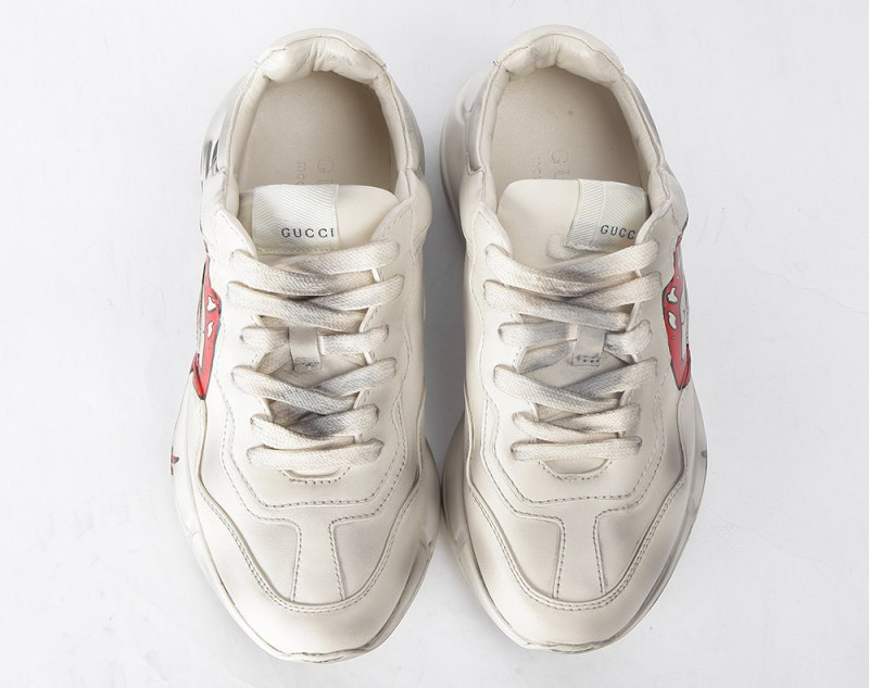 GUCCI Rhyton Printed Distressed Leather Sneakers Red Lips
