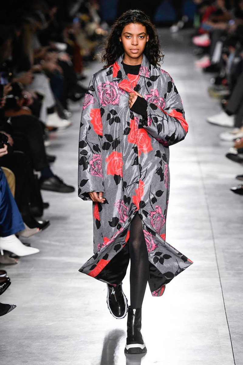 Here Are Some Fall 2019 Fashion Trends to Take Note of From the Fashion Month 4