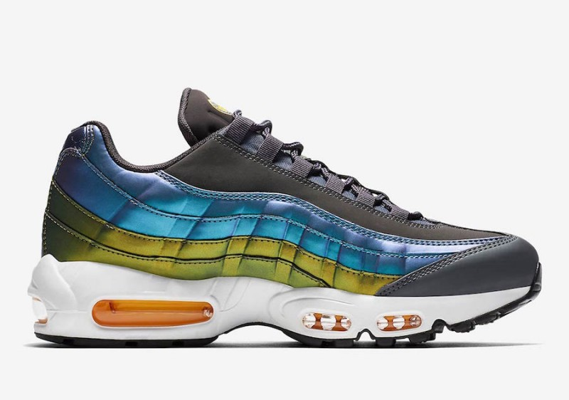 new style 0a2be 38945 Nike Air Max 95 Pearlescent Blue   Gold Review