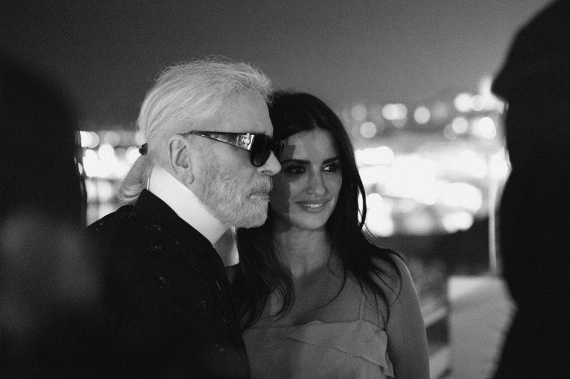 Penelope Cruz Takes Her First Runway Walk on Chanel's Farewell Show For Karl Lagerfeld 5