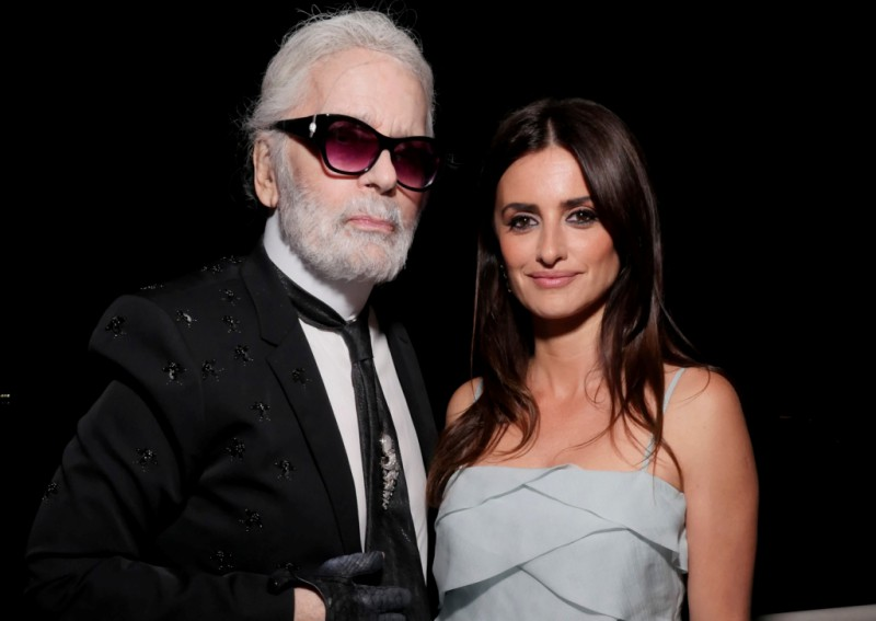 Penelope Cruz Takes Her First Runway Walk on Chanel's Farewell Show For Karl Lagerfeld 6