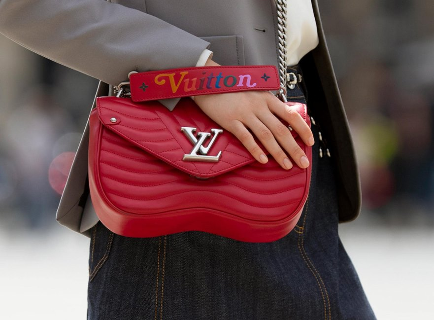 a7bf68cdd0aa Louis Vuitton New Wave Chain Bag Review - Featured Image