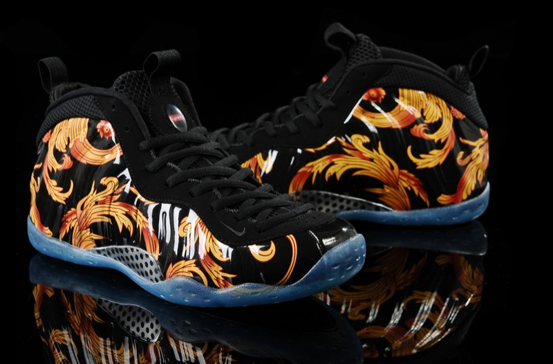 Nike Air Foamposite One Blue MirrorIn Detail