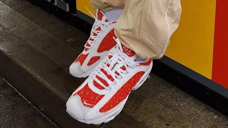 supreme-x-air-max-tailwind-4-university-red-0