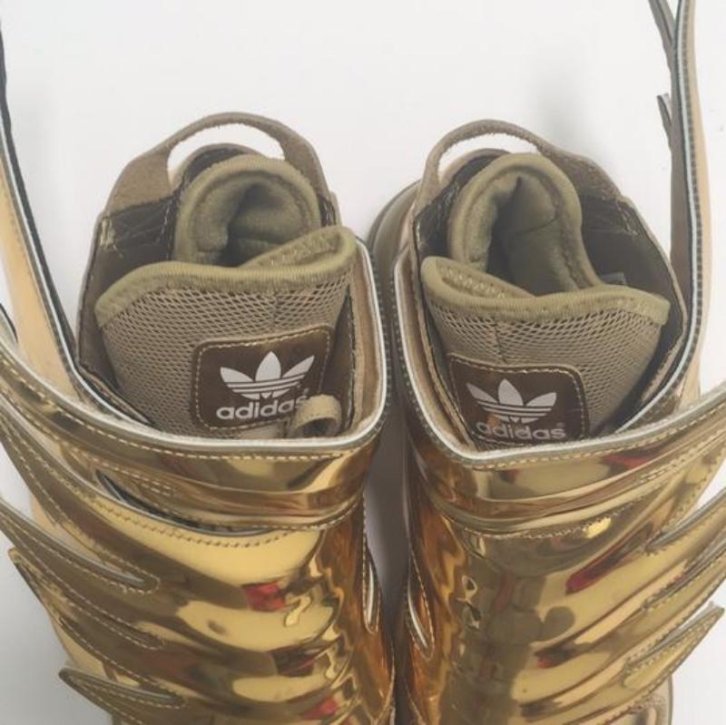 Adidas-JS-Wings-3.0-Gold-4
