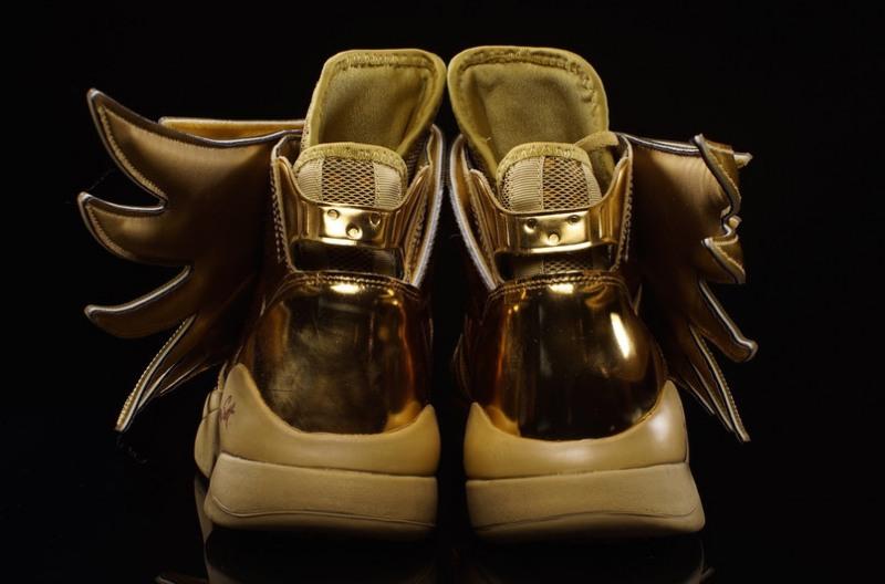 Adidas-JS-Wings-3.0-Gold-9
