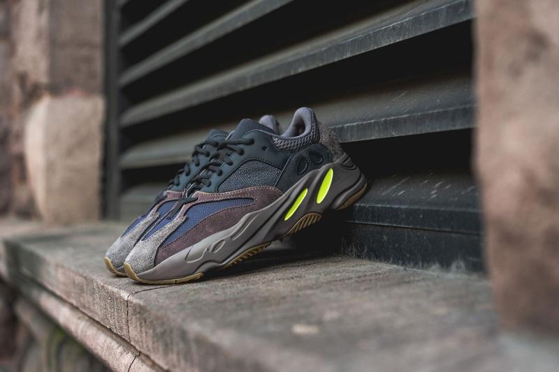 Adidas-Yeezy-Boost-700-'Mauve'-7