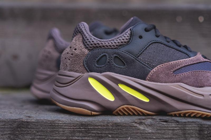 Adidas-Yeezy-Boost-700-'Mauve'-8