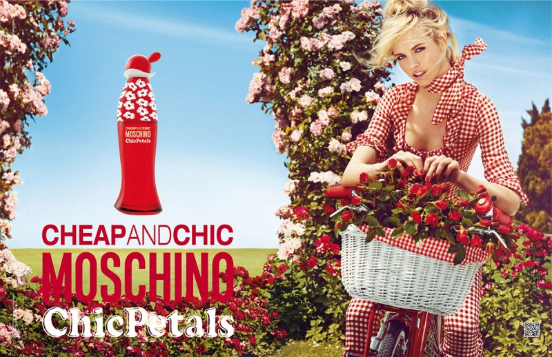 Cheap & Chic Chic Petals by Moschino Review 1