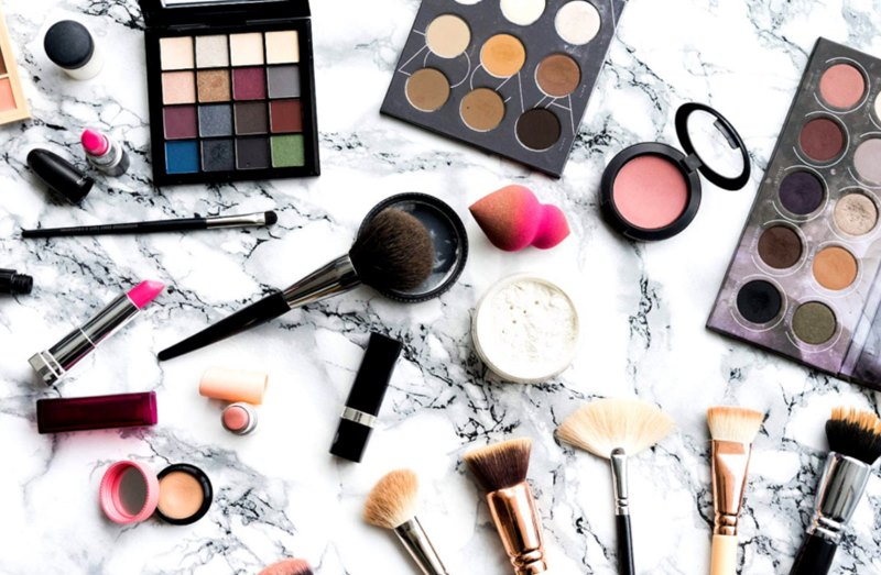 Editor's Favorites - The Best Makeup for Spring Summer 2019 - Featured Image