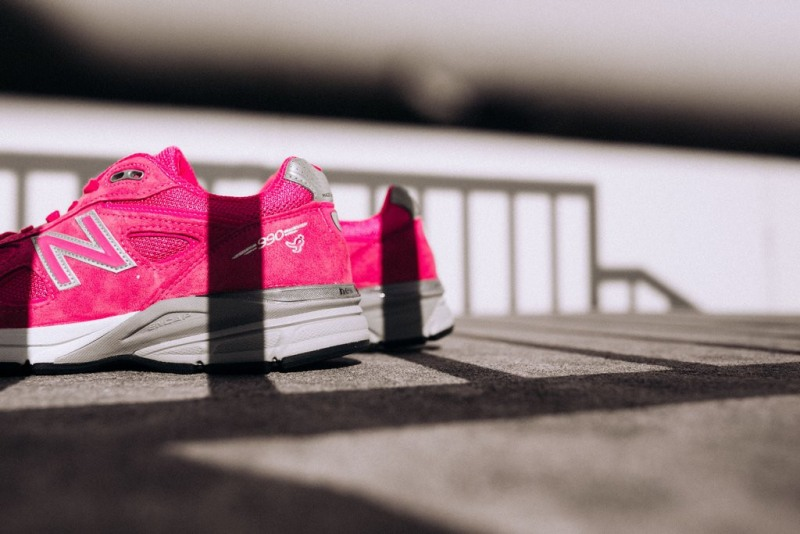 New-Balance-990V4-Komen-Pink-3